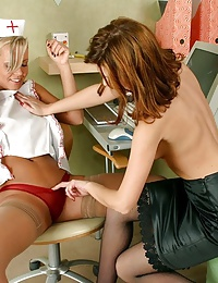 Nurse seduces her patient to have lesbian sex