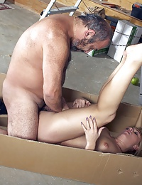 Blonde pleasuring a very old dude