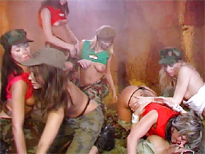 Six army teenagers toying eachothers tight pussies