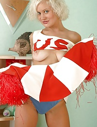 Some like it hotter, some like it in cheerleader uniform