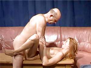 Old and bald senior boinking a horny redhead gold digger
