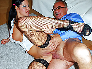 Guy shagging a horny stockings chick from the UK hardcore