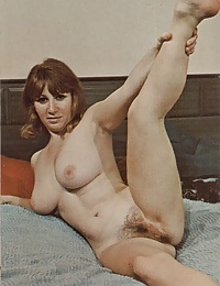 Naked retro hippie ladies showing their hot hairy snatch