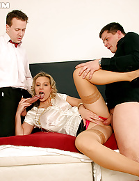 Girl enjoying double penetration
