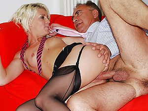 English tart shagging old senior guy hardcore doggystyle
